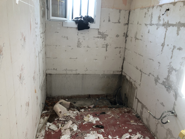 On casse toute la salle de bain et on refait !